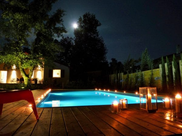 07 A Romantic Evening By The Pool