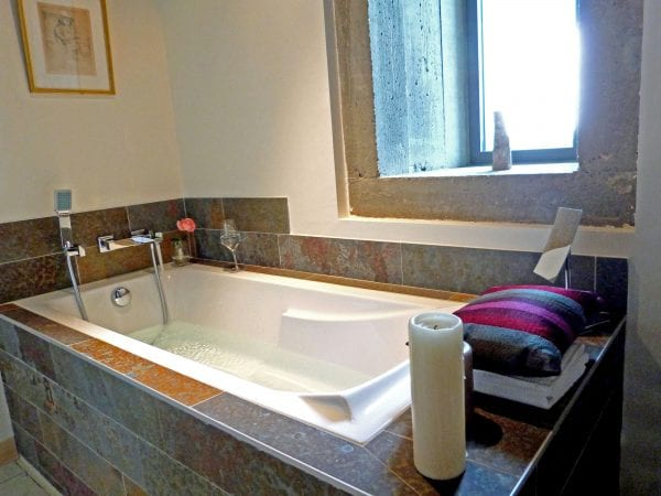 Bedroom 1 Luxury Bath