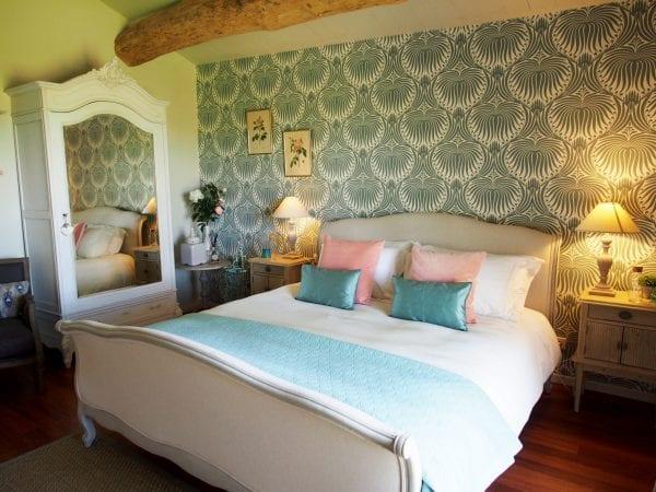 Lotus room, deluxe super king room, en suite bathroom