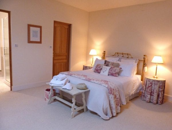 Upper Floor Double With Ensuite Bath, Shower And Wc