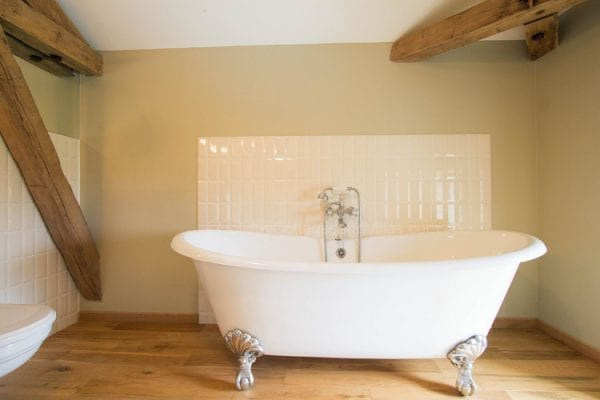 Bedroom 1 feature bath