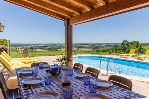 Babeau holiday villa to rent in south west France, self catering holiday accommodation in the Bordeaux wine region Aquitaine near Bergerac and the Dordogne
