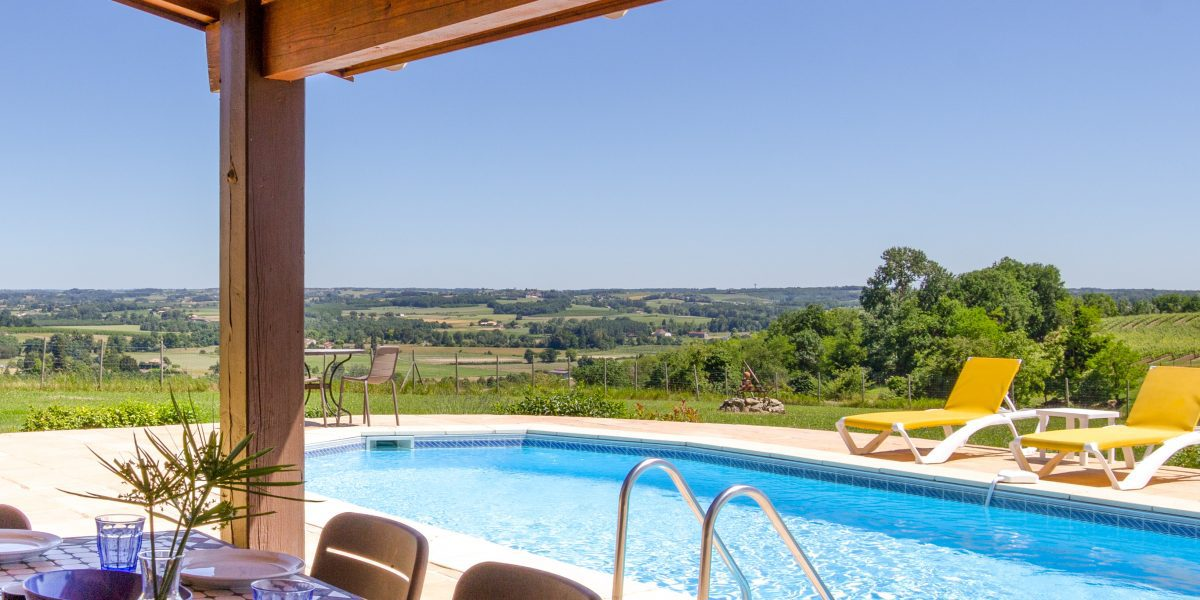 Babeau holiday villa, vacation rental in south west France, self catering holiday accommodation near bordeaux, aquitaine close to Bergerac and the Dordogne
