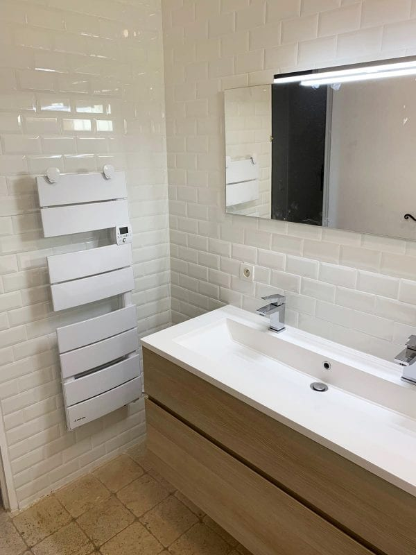 Bathroom shared with bedrooms 1 and 2