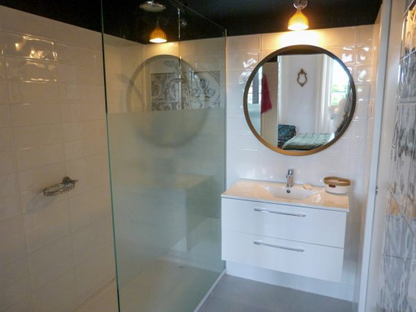 Bedroom 2 en-suite shower room and separate wc