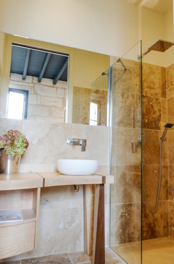 Bedroom 2, walkin shower