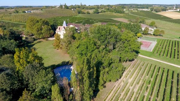 Chateau La Grave Bechade nestled amongst the vineyard and surrounding countryside