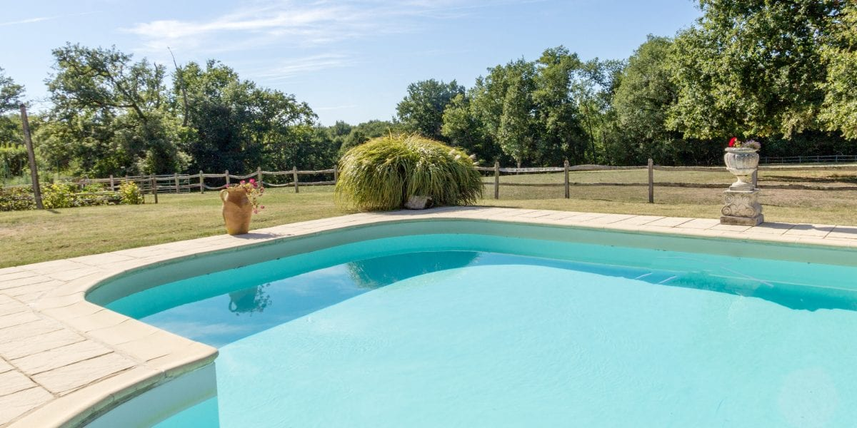 Dordogne gite for 2 with pool, Holiday Cottages and Villas, South West France Self catering holiday home accommodation near the Dordogne, Domaine de Colombat holiday gite