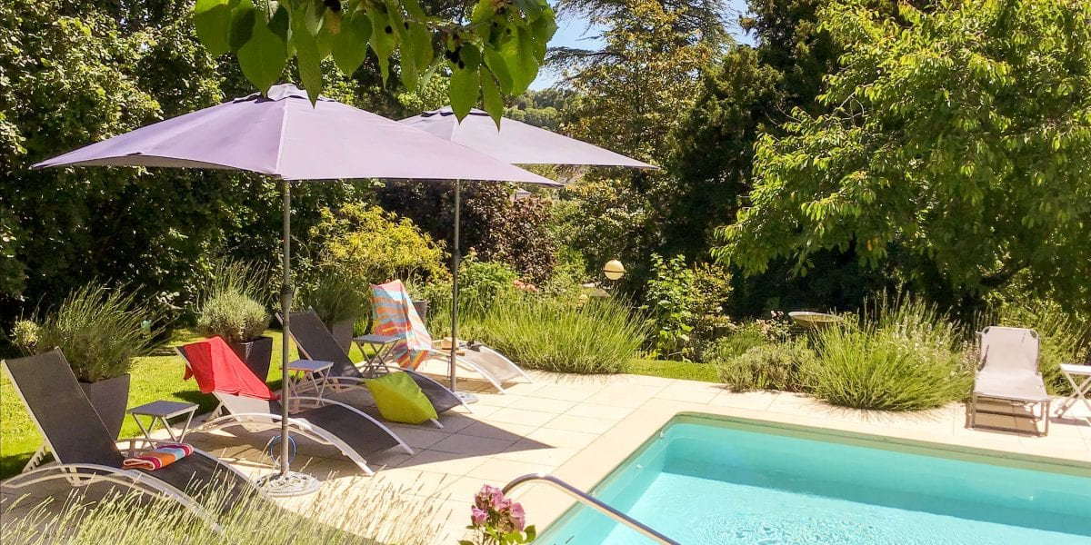 Dordogne villa with a pool in France, South West France Self catering holiday accommodation, Bordeaux wine region Aquitaine near Bergerac and in the Dordogne, Les Tulipiers