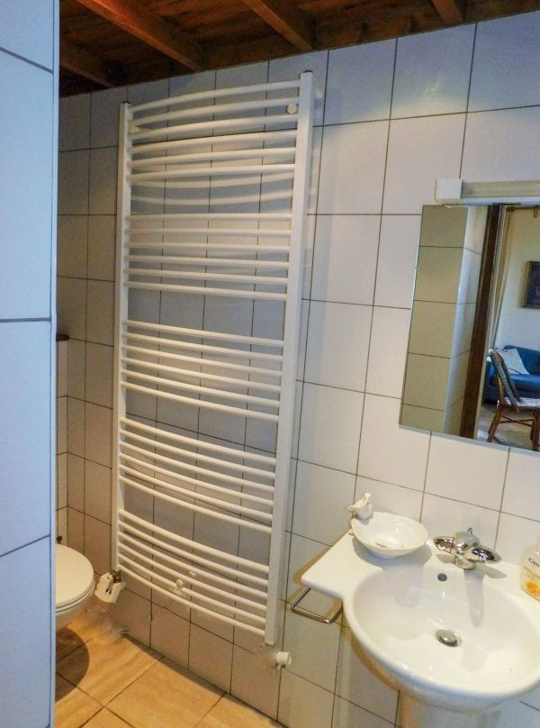 Double bedroom 1 en suite shower and wc