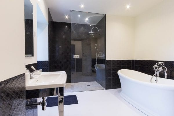 Feature bath and walk in shower, bedroom 5