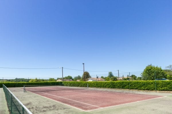 Free use of the public tennis court in the village, just 2 minutes walk away