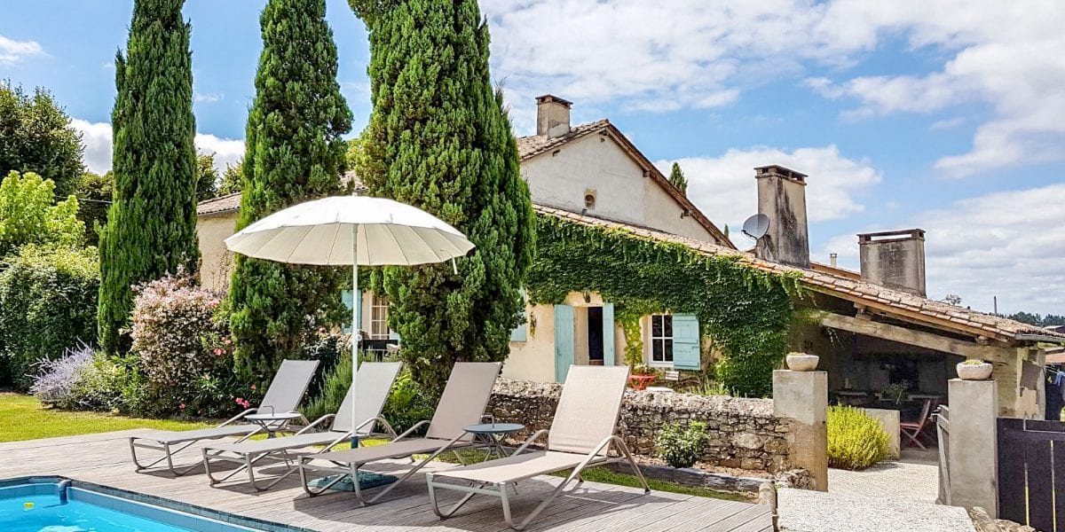 French holiday villa with a pool near Bordeaux, Bergerac, Dordogne