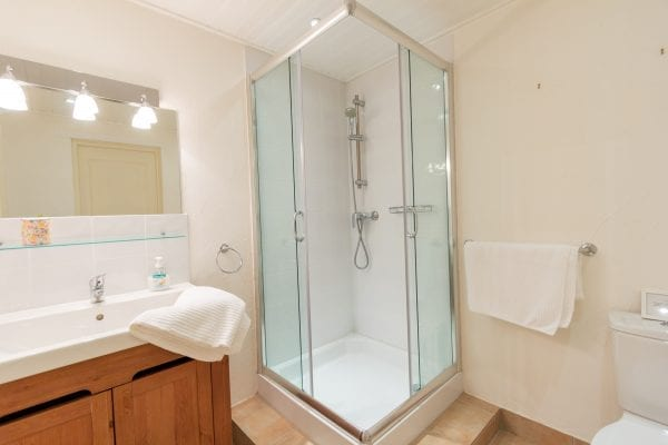 Ground floor shower room and wc