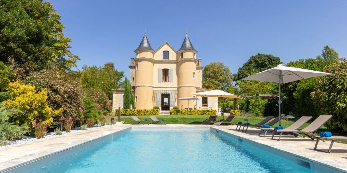Holiday villa in France with a private pool and views
