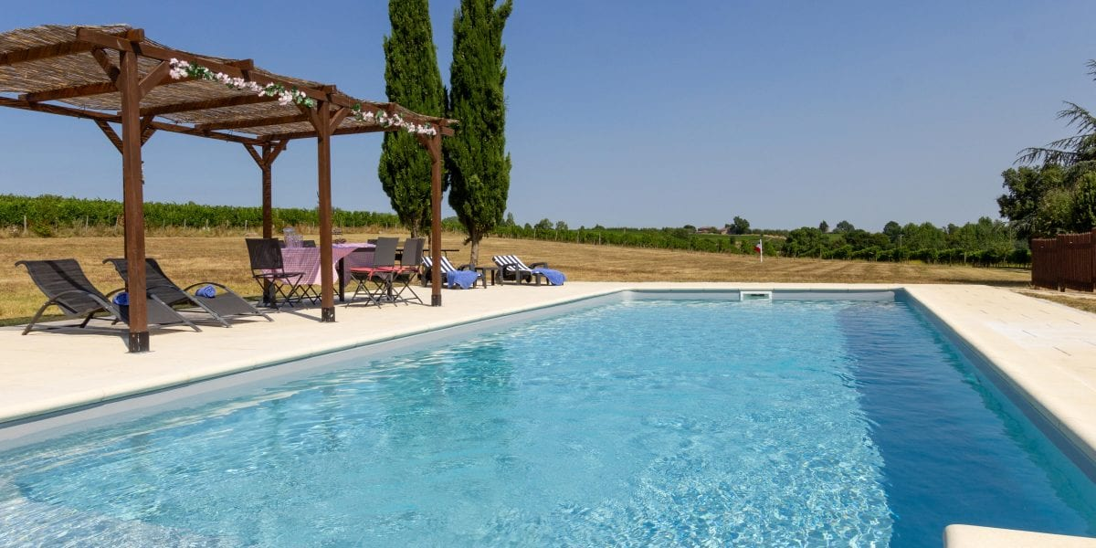 Le Grand Maine gite holiday accommodation near Duras Domaine Grand Mayne vineyard