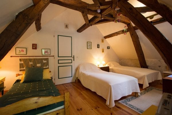 Le Moulin triple room with 3 single beds