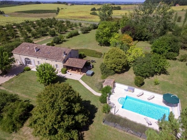 Les Aubins Holiday home in south west France with a private gated and fenced pool and hot tub, near Duras and Monsegur
