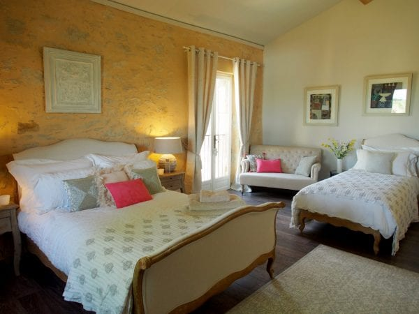 Sable, double deluxe or twin room, en suite bathroom and a seating area
