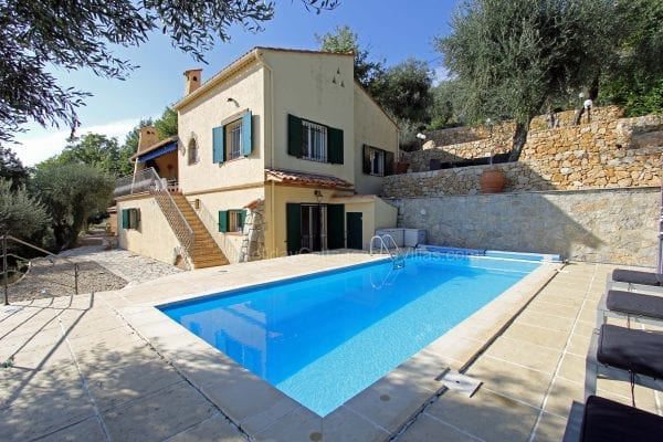Holiday cThe villa is set in a quiet residential area on a hill sideottages and villas france, french vacation properties