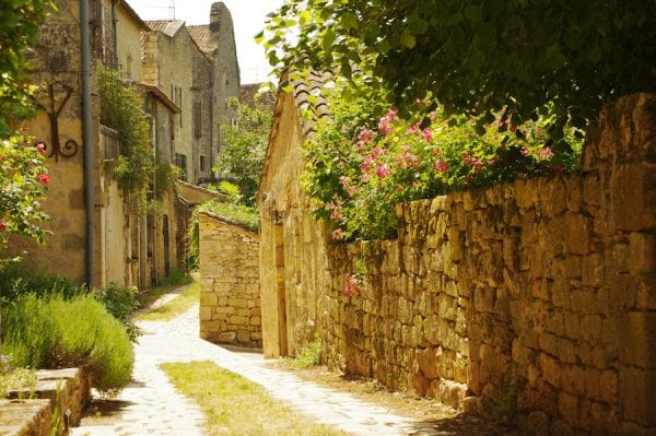 We think this is the most prettiest region of France, Aquitaine region includes the Dordogne, Lot et Garonne, Gironde, Vienne and the Charente